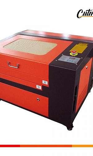 Máquina de corte a laser CNC