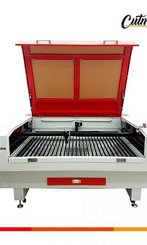 Máquina de corte a laser fabricante